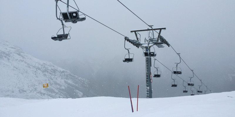 Jak wybrać ubezpieczenie narciarskie